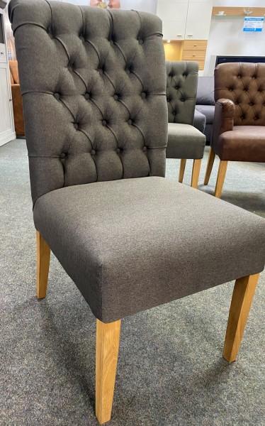 """Stuhl """"DUKE"""" , mit Wunschbezug und unterschiedlichen Rückenhöhen passend zu unseren Küchensofas"""